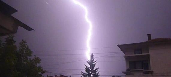 Lightnings in summer night sky + slow motion